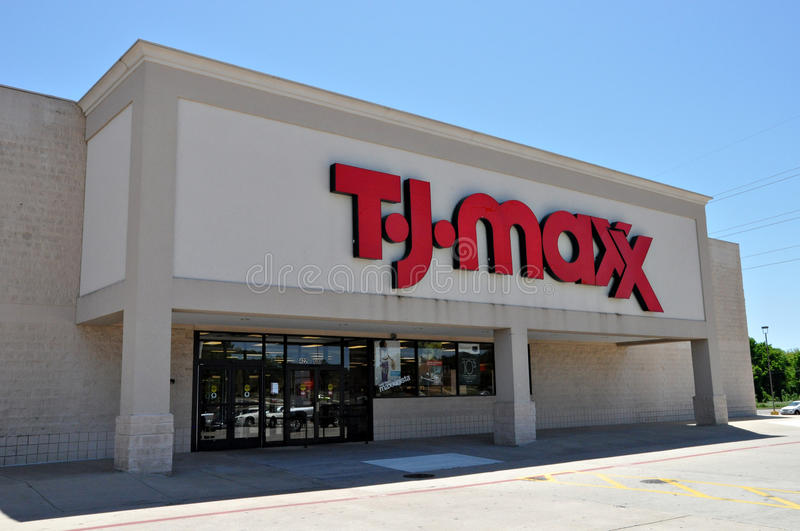 Download T.J. Maxx Store In Longview Texas In 2012 Editorial Photography - Image: 27107842