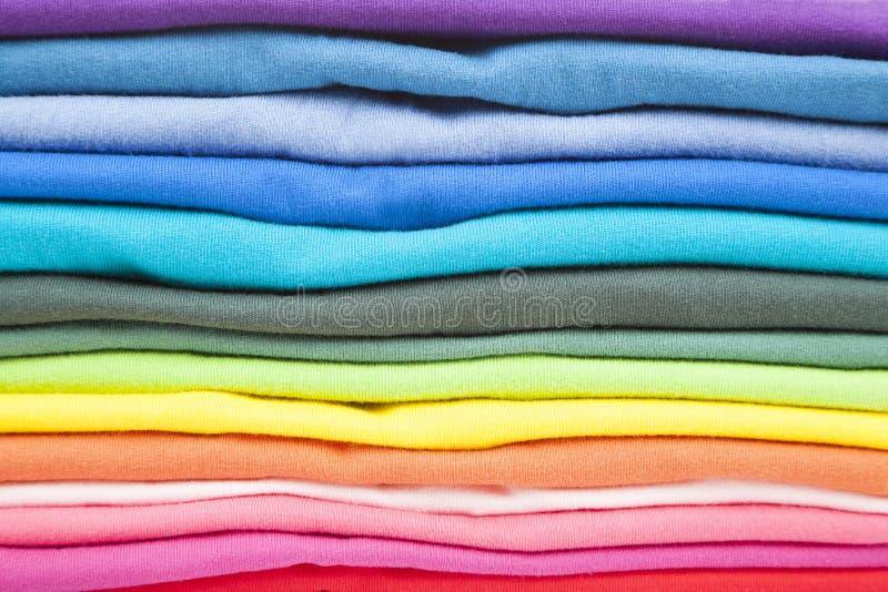 T kolorowe koszula zdjęcia stock