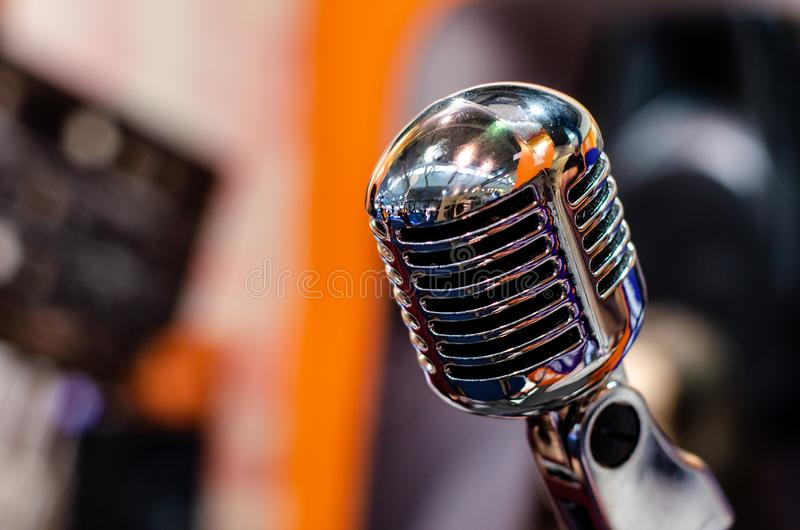 t?t mikrofon upp tappning royaltyfri bild