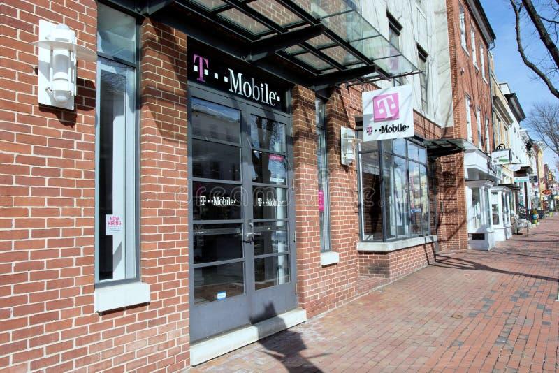 T-Mobile na cidade velha Alexandria, Virgínia imagem de stock