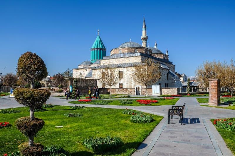 T?mulo e mesquita de Mevlana na cidade de Konya foto de stock royalty free