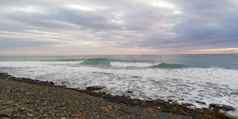 T?o Burzy sanset seascape zdjęcie stock
