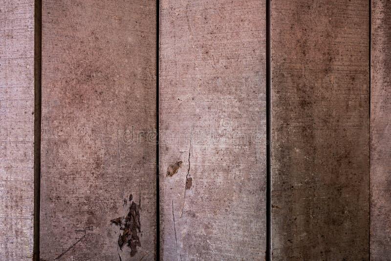 T?o tekstury lub stare drewniane tapety k?a?? szary i pionowo jasnobr?zowego maluj?cego w retro stylu i obraz stock