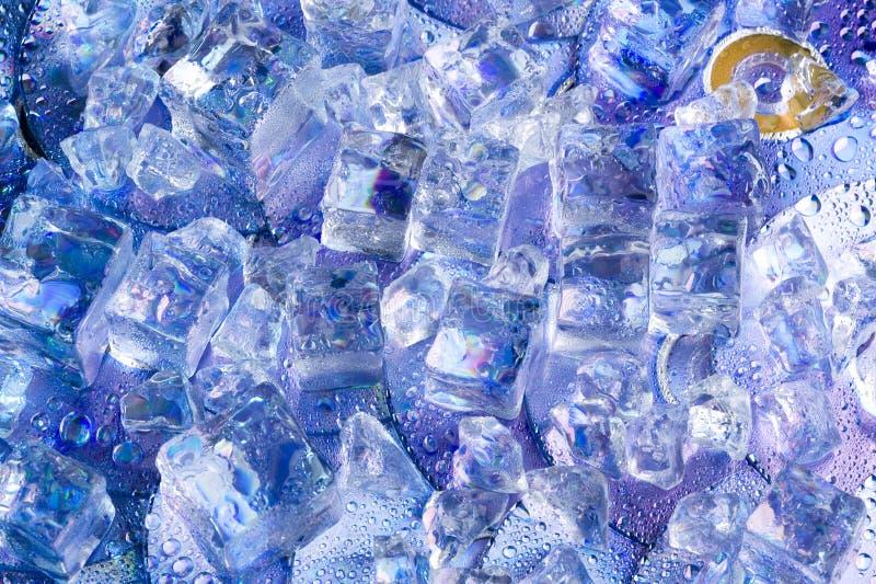 Download Tło z lodem zdjęcie stock. Obraz złożonej z półprzezroczysty - 13335604