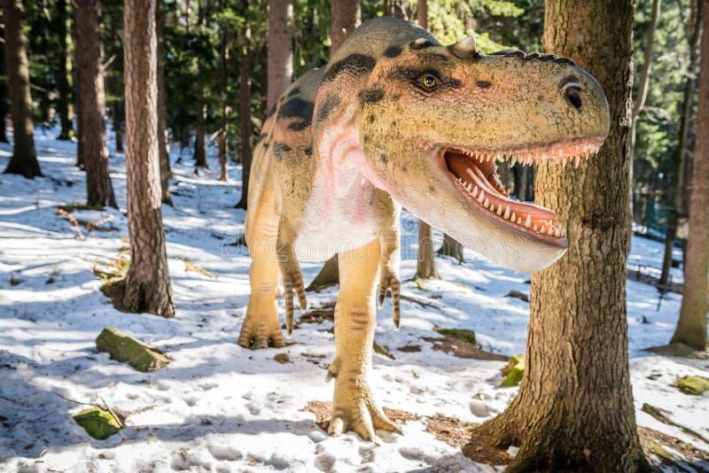 T-Rex no parque do dinossauro fotos de stock