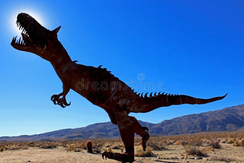 T-rex, tiranossauro, esculturas, parque estadual do deserto de Anza Borrego imagens de stock