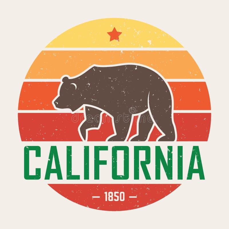 T-shirt de Califórnia com urso pardo Gráficos do t-shirt, projeto, cópia, tipografia, etiqueta, crachá ilustração royalty free