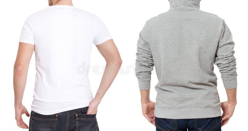 T-shirt en sweatshirtmalplaatje Mensen in witte t-shirt en in grijze hoody Achter achtermening Spot op witte achtergrond omhoog w stock fotografie