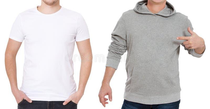 T-shirt en sweatshirtmalplaatje Mensen in witte t-shirt en in grijze hoody Front View Spot op witte achtergrond omhoog wordt geïs stock afbeeldingen