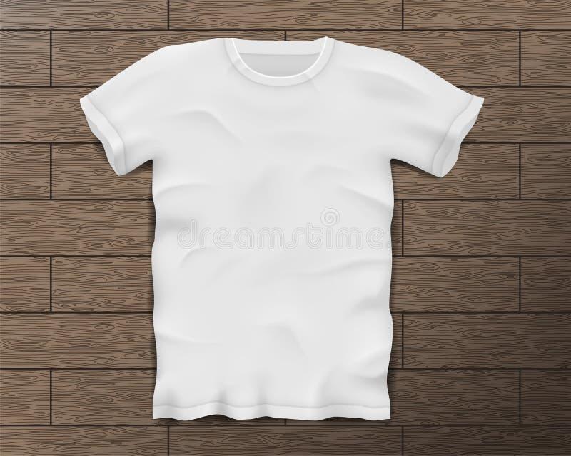 T-shirt masculin réaliste blanc avec les douilles courtes Calibre vide de T-shirt sur le plancher en bois de vintage d'isolement  illustration libre de droits