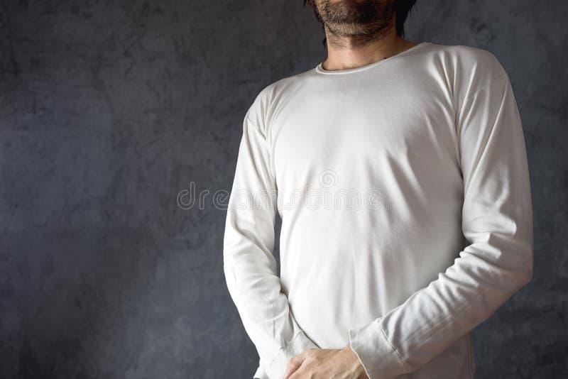 T-skjorta för manblankovit royaltyfri bild