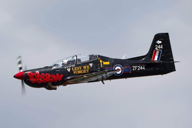 T1 ZF244 de Royal Air Force RAF Short S-312 Tucano de RAF Linton-sur-Ouse photographie stock libre de droits