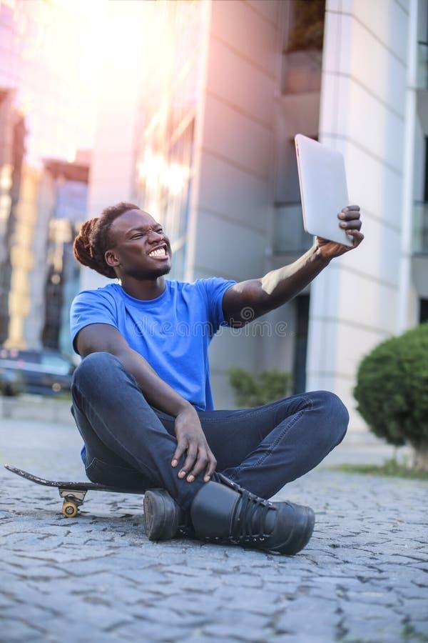 Ta en selfie royaltyfri fotografi