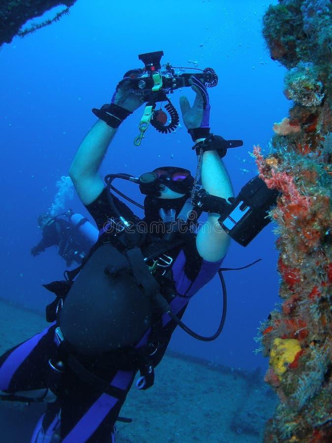 ta för dykarebilder royaltyfria bilder