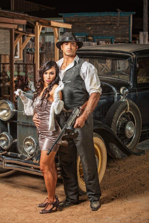 Taaie Gangster met Leuke Vrouw royalty-vrije stock afbeeldingen