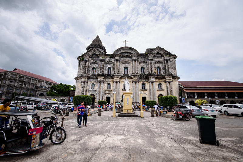 Taal教会门面在八打雁省,菲律宾 Sain大教堂  免版税库存照片