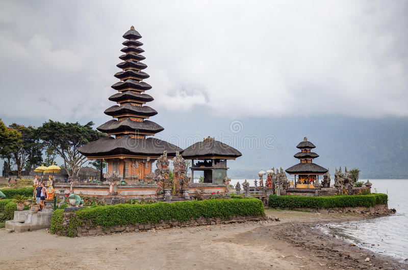 Tabanan,巴厘岛/印度尼西亚- 09 25 2015年:Pura Ulun Danu Bratan在巴厘岛,印度尼西亚 库存图片