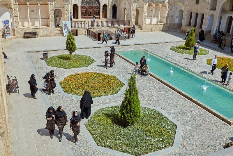 Tabatabei历史议院庭院在喀山,伊朗 图库摄影