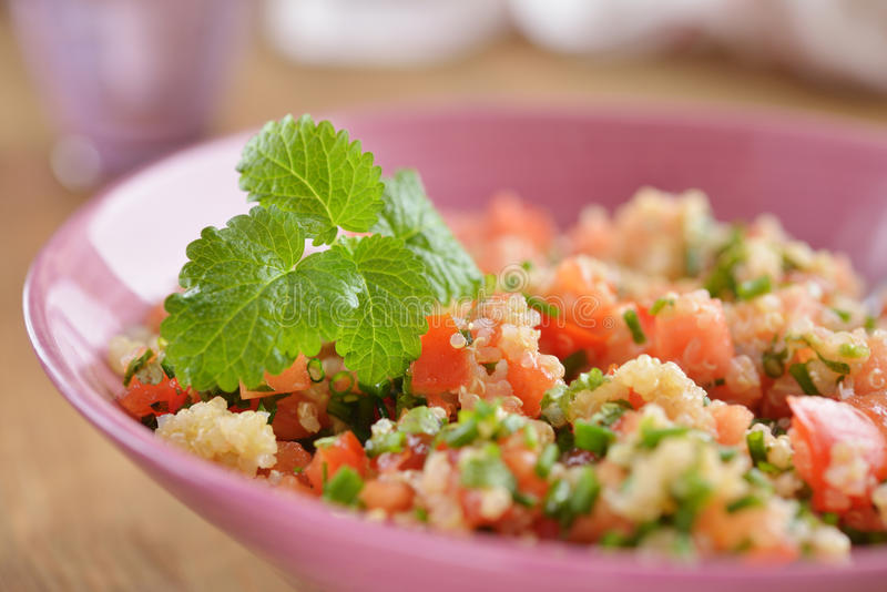 Tabbouleh met quinoa en groenten royalty-vrije stock foto