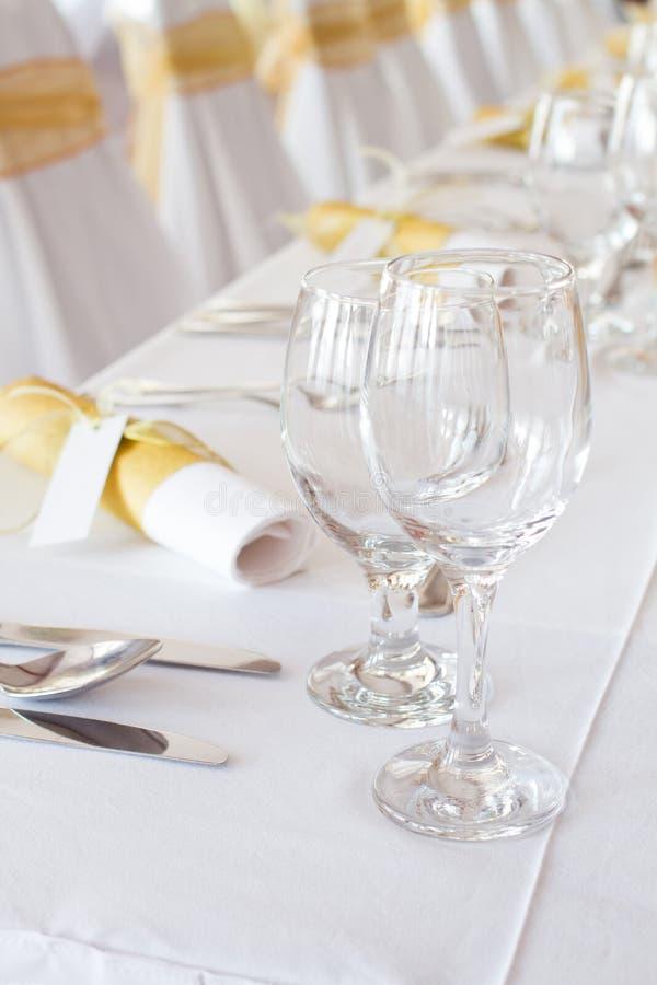 Download Tabela Ajustada Para Um Jantar De Casamento Imagem de Stock - Imagem de negócio, lunch: 26515637
