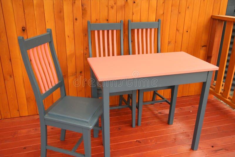 Tabela & cadeiras fotos de stock royalty free