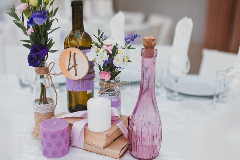 Tabela da decoração do casamento foto de stock