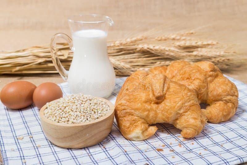 Tabela da refeição matinal ou de café da manhã imagens de stock royalty free