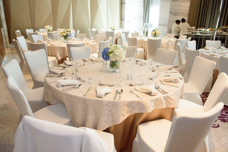 Tabela de Dinning imagens de stock royalty free