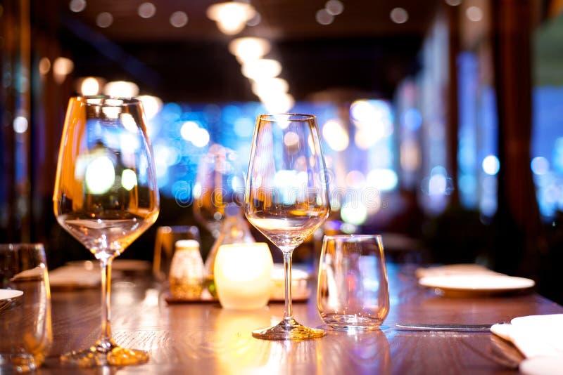 Tabela de jantar estabelecida foto de stock royalty free