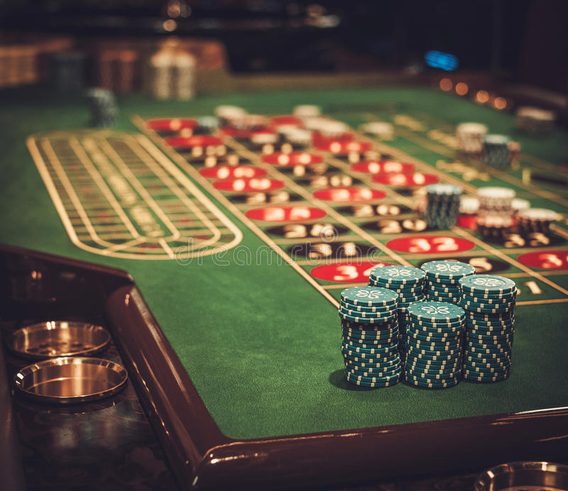 Tabela de jogo no casino luxuoso foto de stock royalty free
