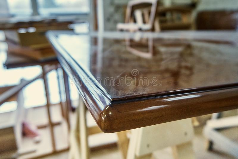 Tabela de madeira lustrada Detalha a produção de madeira fotos de stock