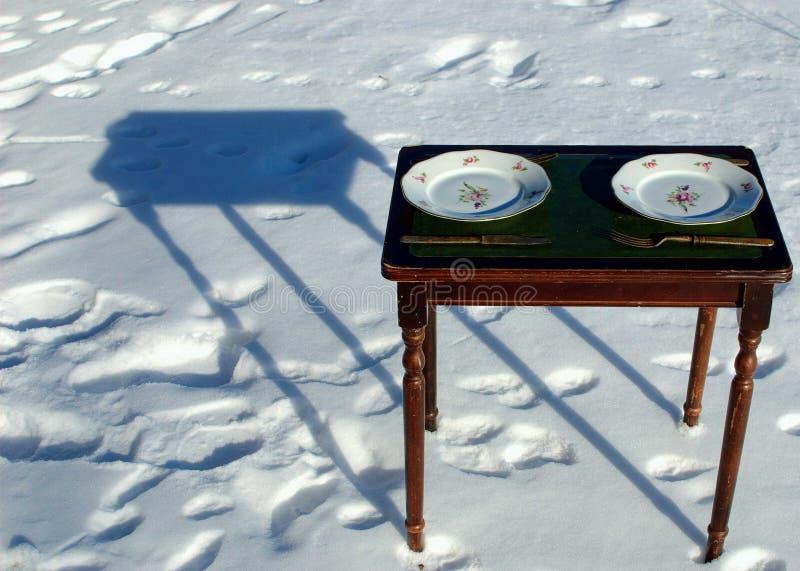 Tabela fora no inverno fotografia de stock royalty free