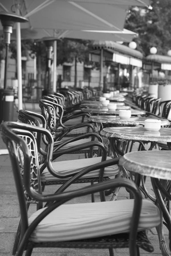 Tabelas do café, Madrid imagens de stock