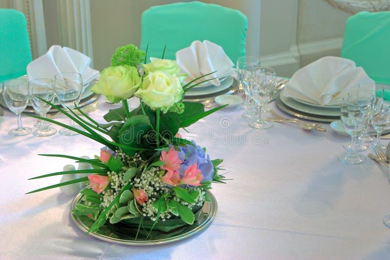 tabele ślub kwiaty fotografia royalty free
