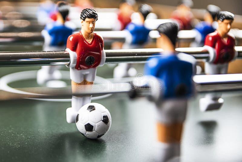 Tabele o jogo de futebol fotografia de stock royalty free