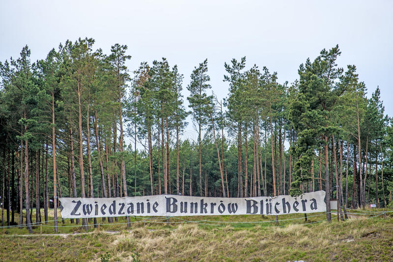 Tabell av den andra världsbunker Batterie Bluecher i Ustka Polen royaltyfria bilder