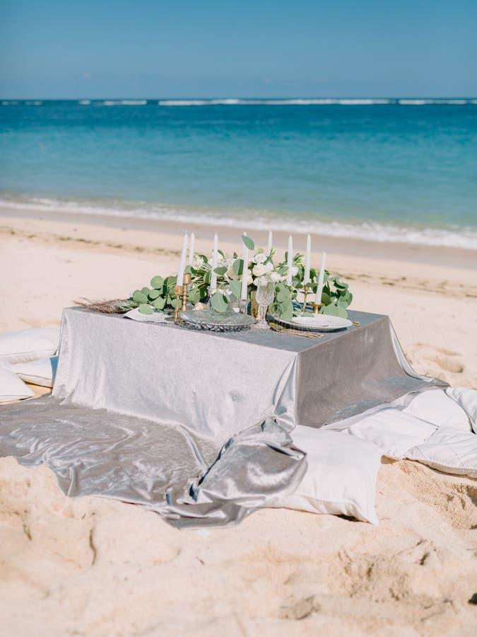 Härligt Romantiskt Tält På En Thailändsk Strand