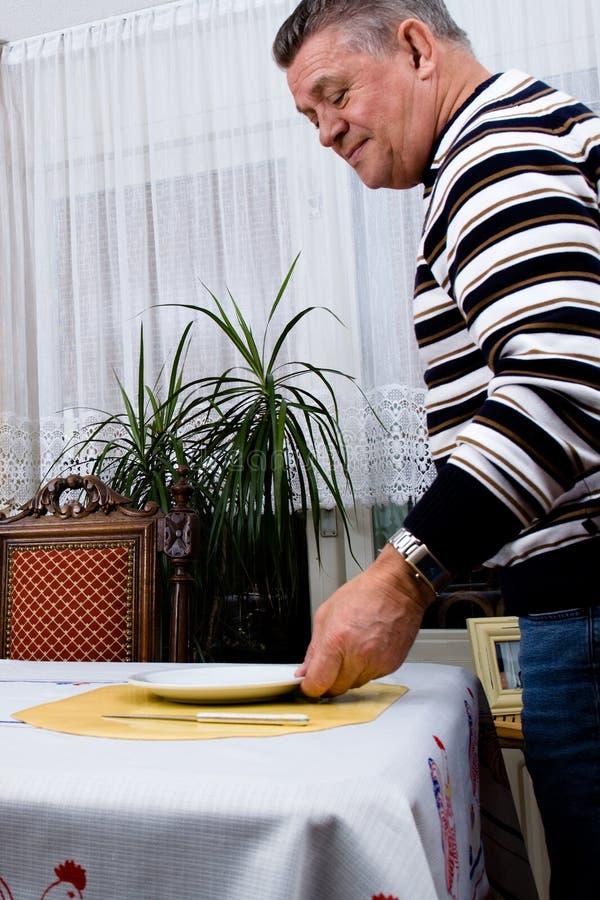tabell för frukostgradfatherinställning arkivfoton