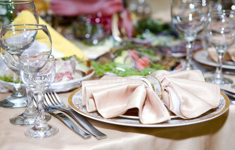 Tabella al ristorante. immagine stock
