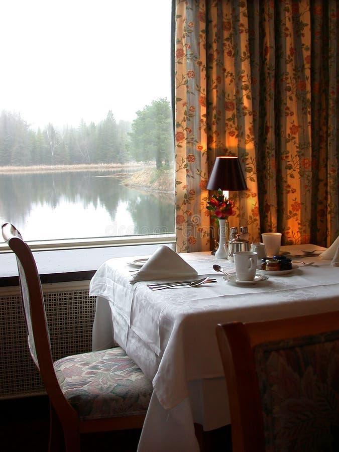 Download Tabella D'Hote fotografia stock. Immagine di finestra, hotel - 71540