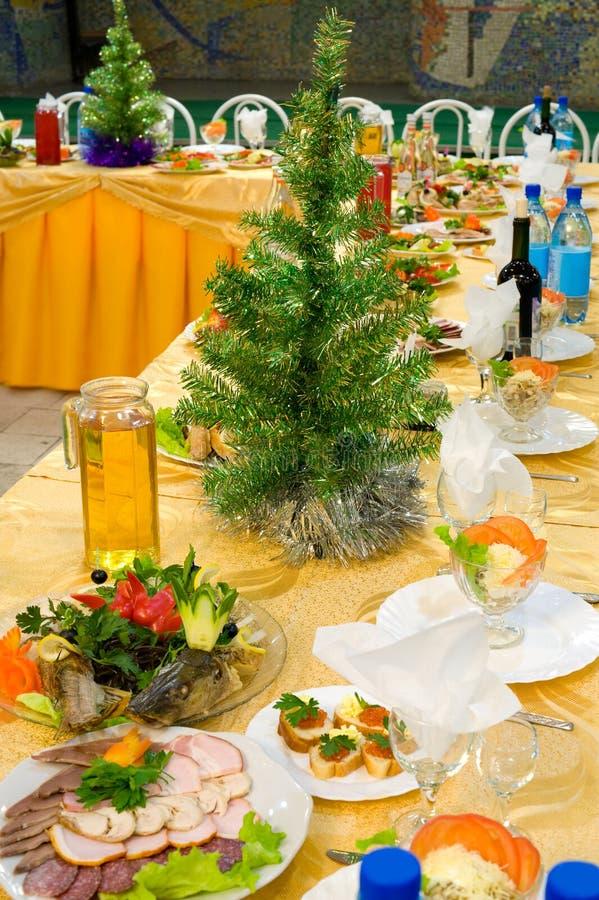 Tabella del ristorante di banchetto del nuovo anno fotografia stock