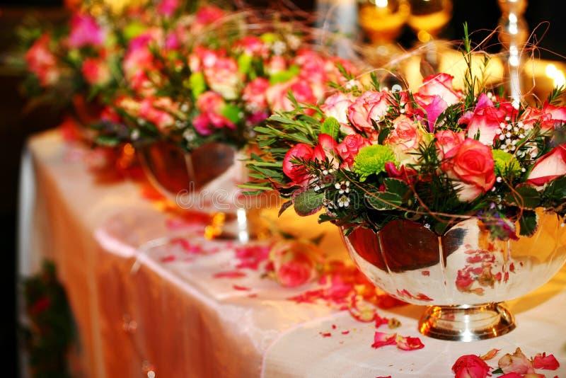 Tabella di cerimonia nuziale immagine stock