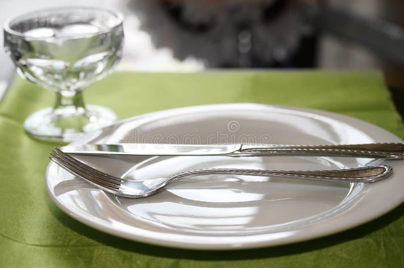 Tabella messa per la cena immagini stock