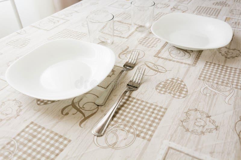 Tabelle eingestellt für das Mittagessen stockfoto