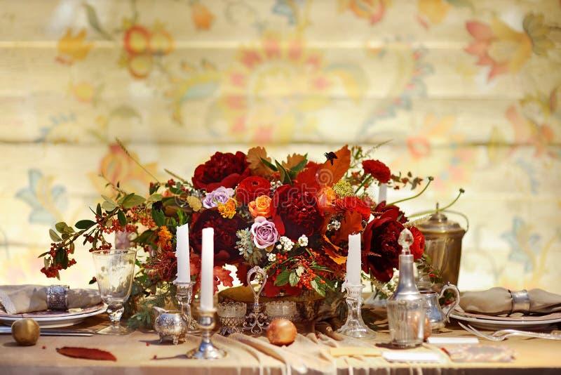 Tabelle eingestellt für Hochzeitsempfang stockfoto
