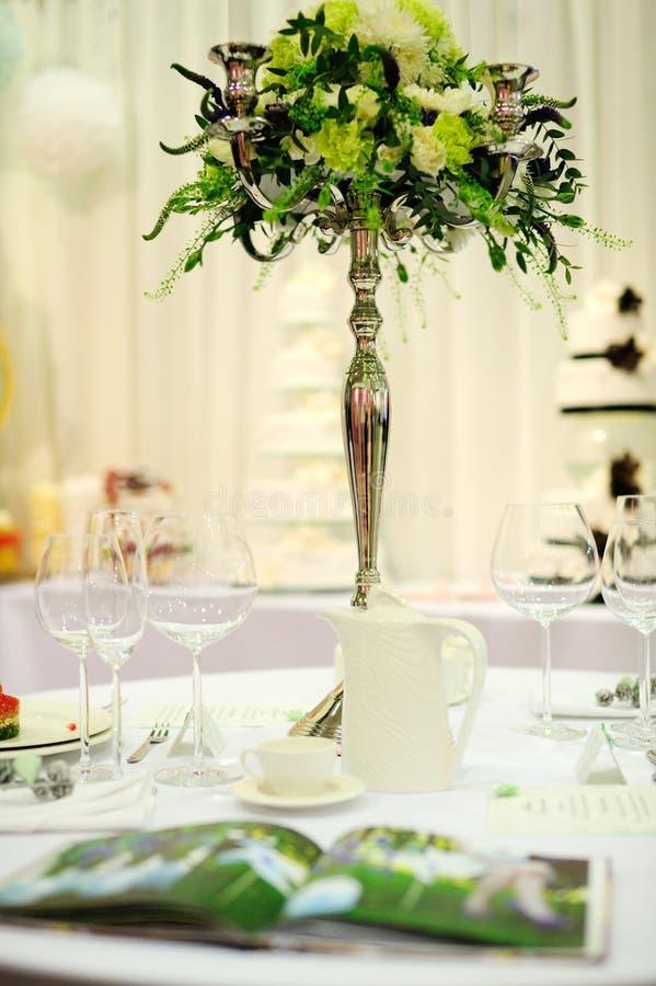 Tabelle eingestellt für Partei oder Hochzeit lizenzfreies stockfoto