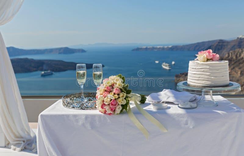 Tabelle für die Hochzeitszeremonie stockfoto