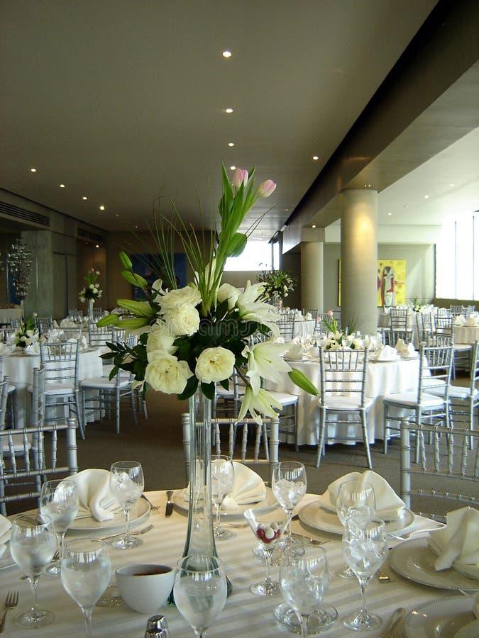 Tabelle für Hochzeit lizenzfreies stockbild