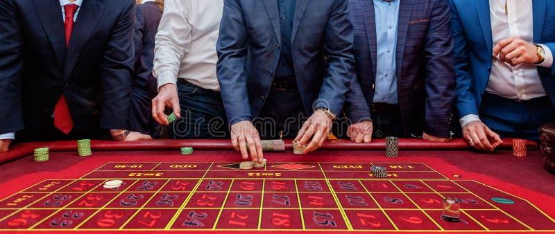 Tabelle mit Rouletten lizenzfreies stockfoto