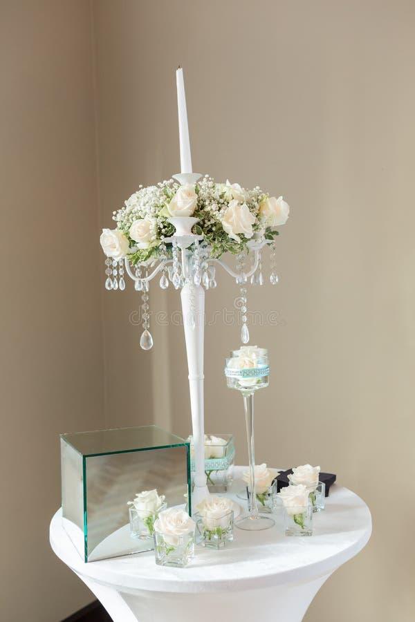 Tabelle stellte für eine Ereignisparty oder -Hochzeitsempfang ein lizenzfreies stockfoto